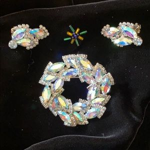 Weiss rhinestone brooch and clip earring set